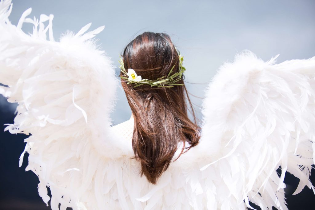 funny-hen-party-ideas-angels-and-demons